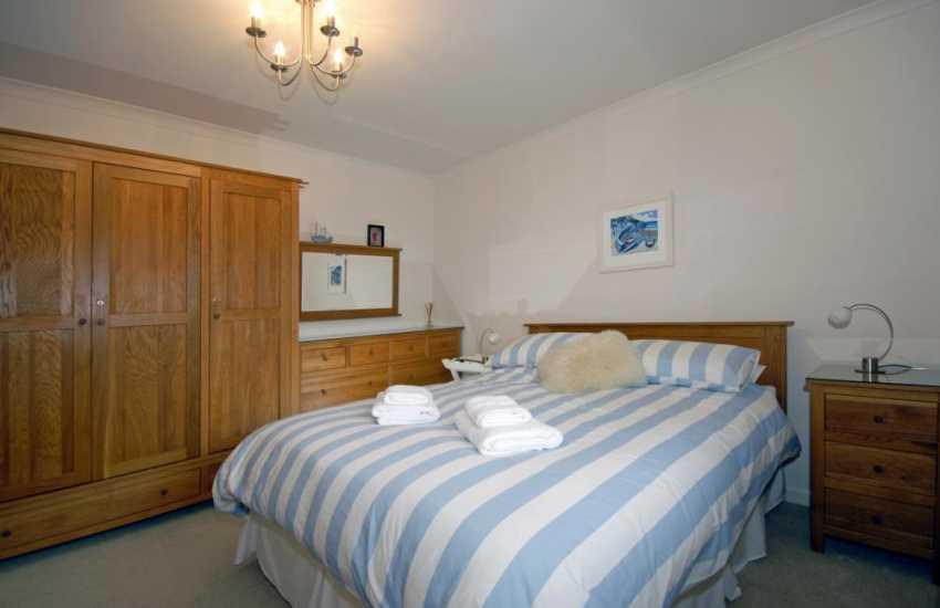 St Brides Bay Holiday house - kingsize en-suite bedroom with t.v