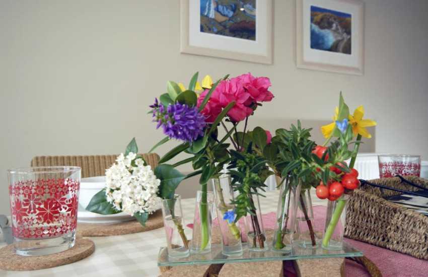 Spring flowers from the gardens of Hafan Mor
