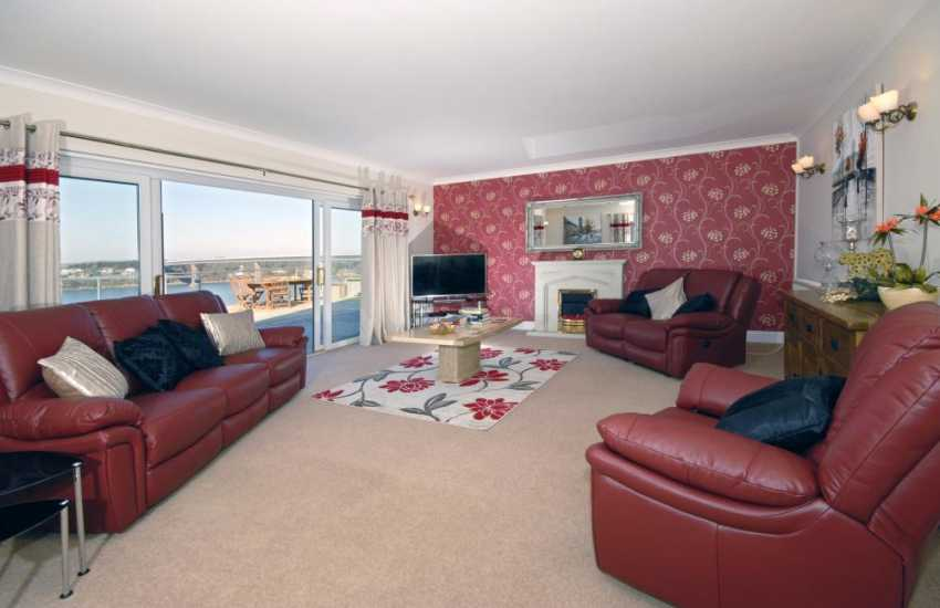 Pembrokeshire family holiday home near the coast - Lounge with fabulous Haven views