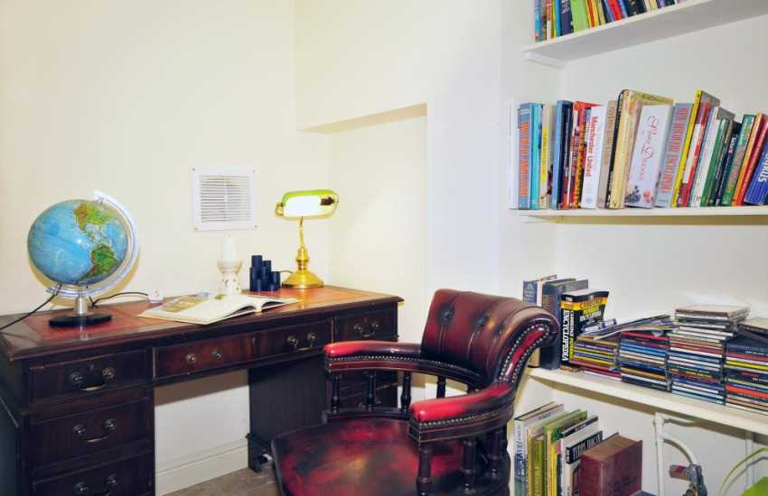Small library in Abersoch holiday cottage