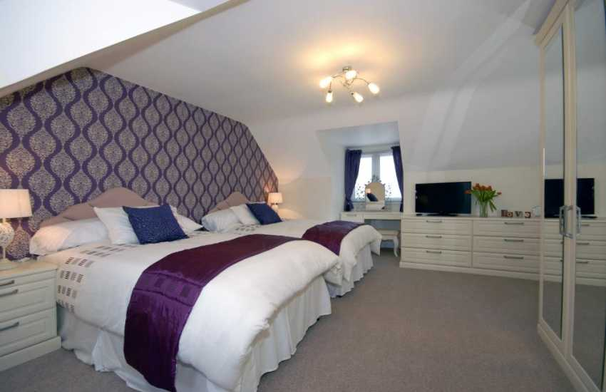 Pembrokeshire waterside holiday home - Twin with 4'beds and Haven views