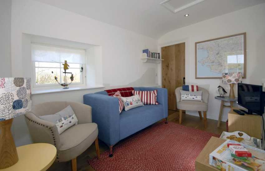 Manorbier coastal holiday cottage -  first floor sitting area
