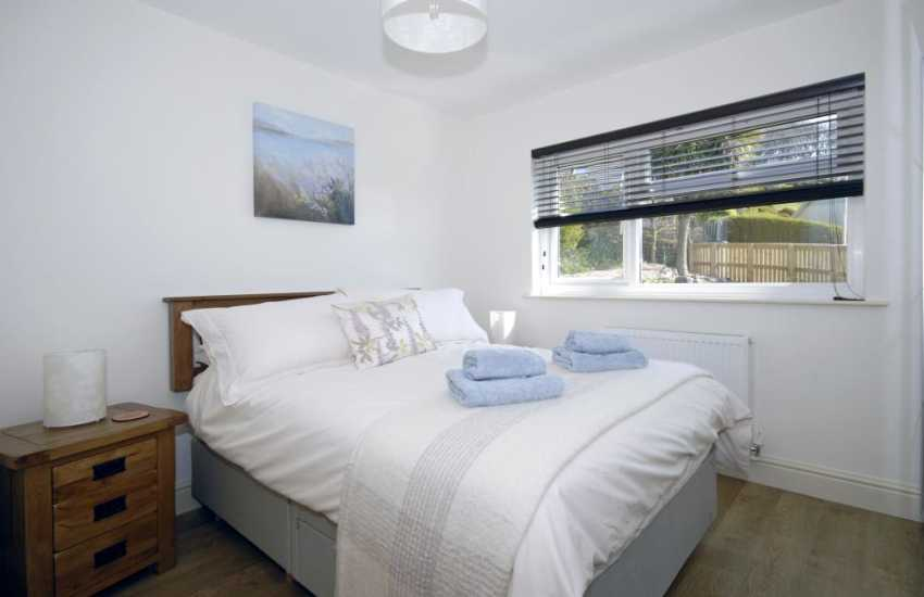 Manorbier holiday home  - double bedroom with en-suite shower room