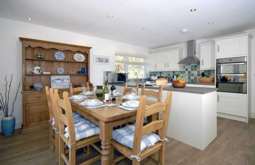 Self catering Pembrokeshire - open plan modern kitchen/diner