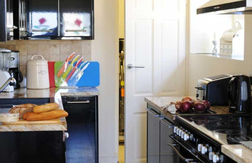 Abersoch holiday cottage - kitchen