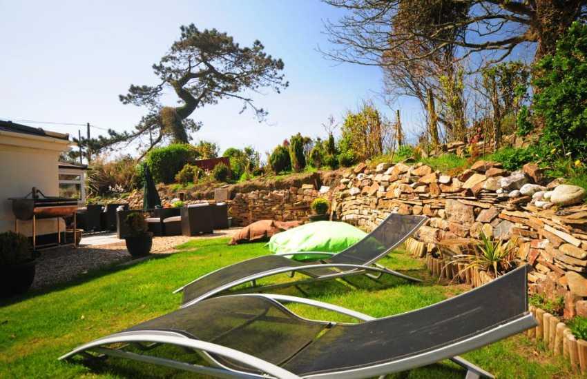 Cottage in Abersoch with garden - lawn