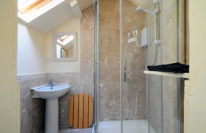 Games room with shower Abersoch
