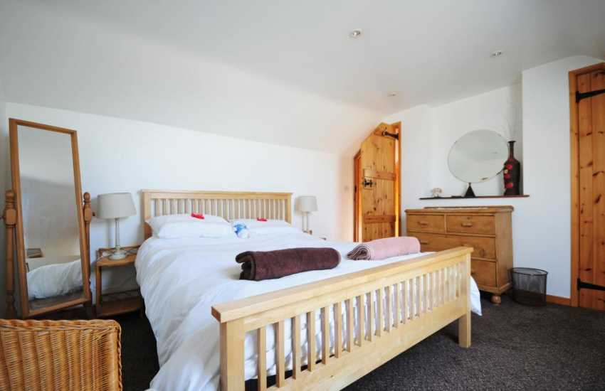Kerry Ridgeway holiday cottage - master bedroom
