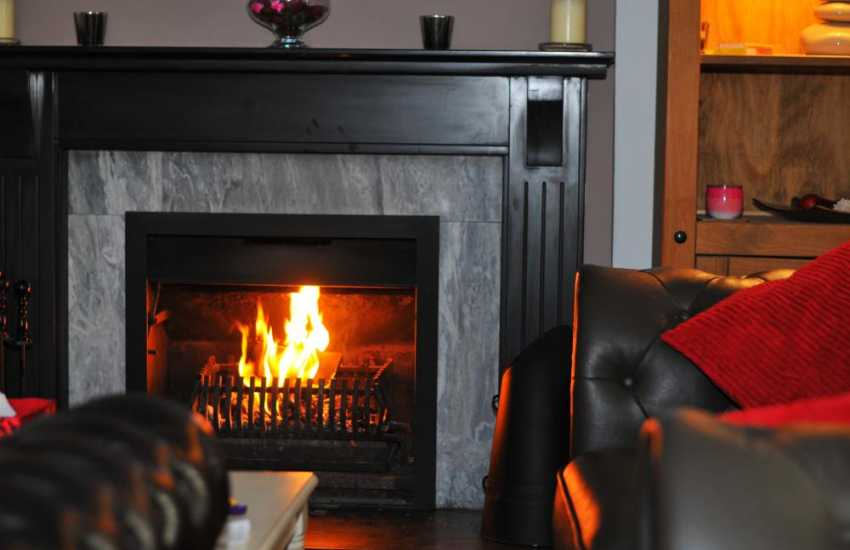 Llyn Peninsula cottage with Open fire