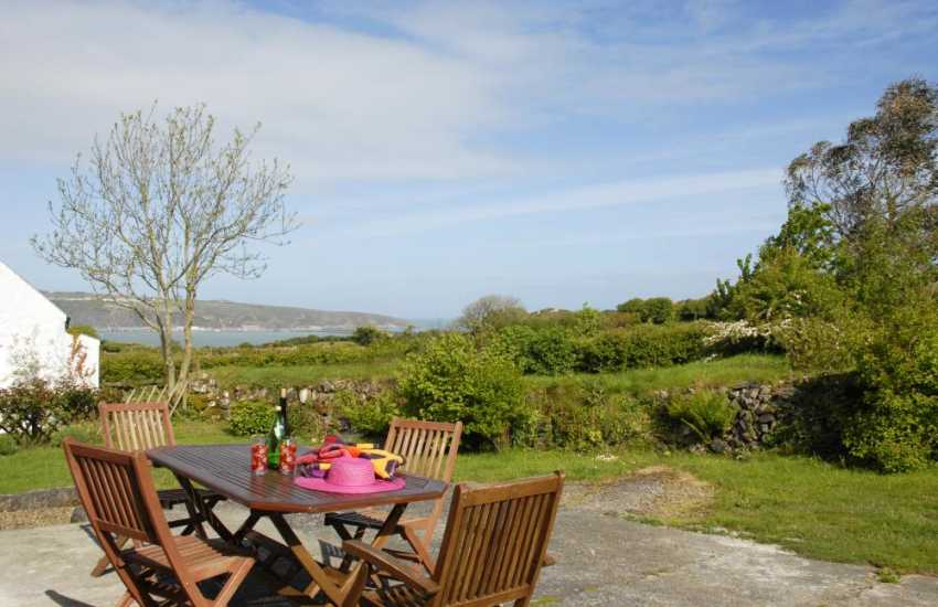 Pembrokeshire holiday cottage with fabulous coastal sea views
