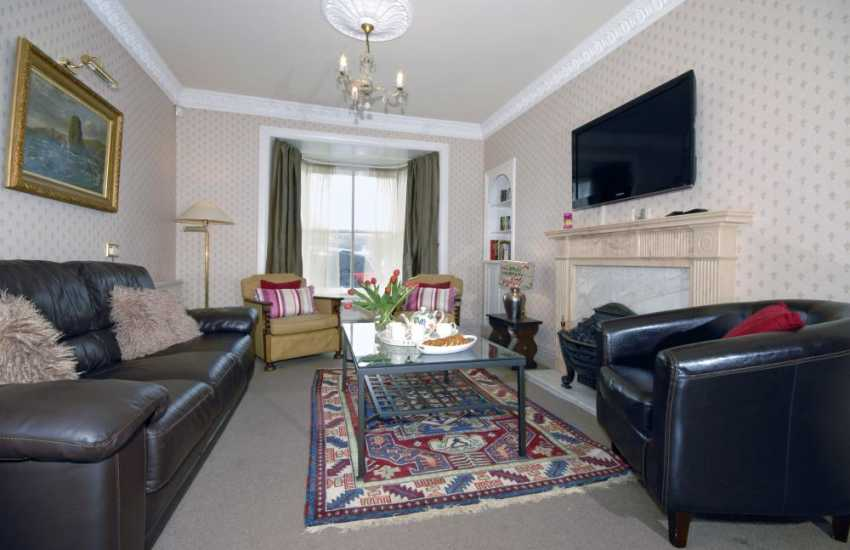 Aberaeron Georgian holiday home with stunning harbour views - sitting room