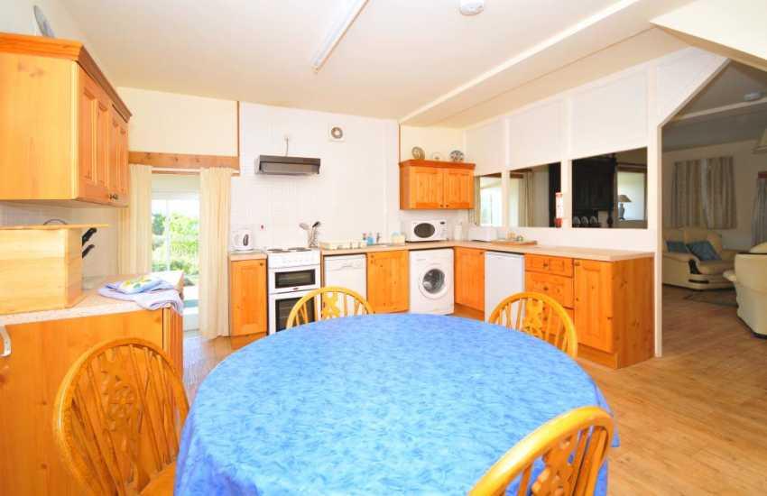 Dolgellau holiday cottage - kitchen