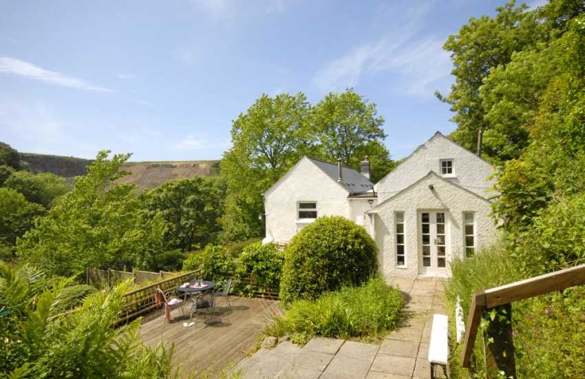 Solva River Valley cottage with sheltered patio and wild garden
