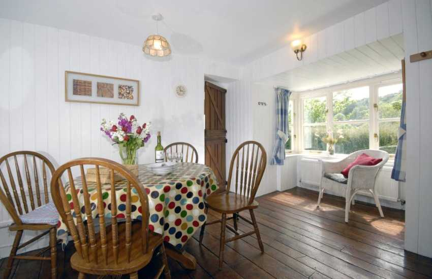 Holiday cottage in the Solva Valley - dining area