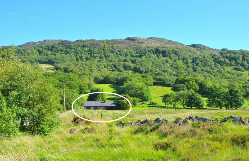 Holiday cottages at the foot of Cader Idris Wale's second highest mountain - sleeps 6