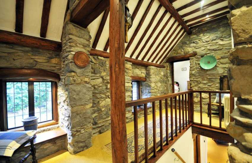 Snowdonia holiday cottage sleeps 9