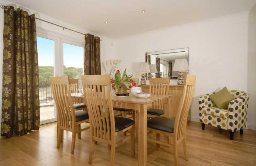 Spacious, open plan home for holidays in Pembrokeshire - dining area