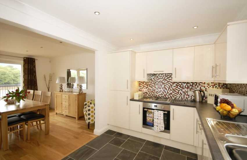 Self-catering holiday home in Pembrokeshire - open-plan kitchen