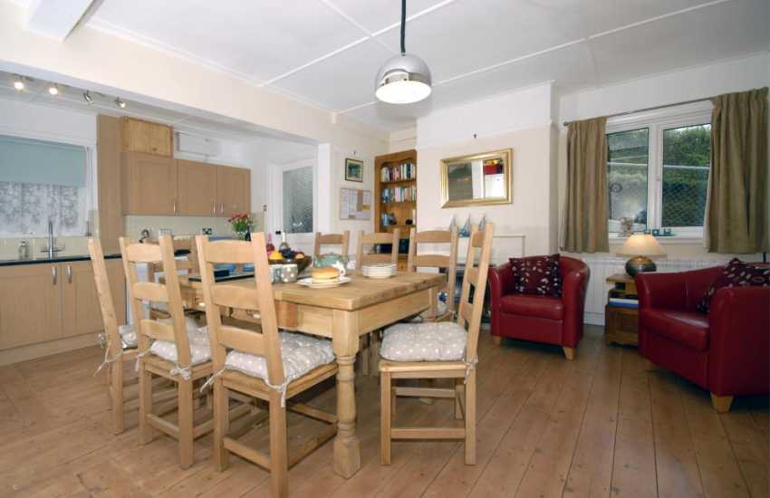 Cardigan Bay self-catering family home with open plan kitchen dining room