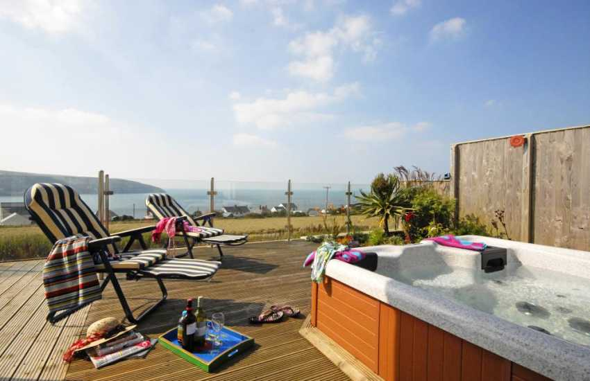 Holiday home by the sea with a hot tub