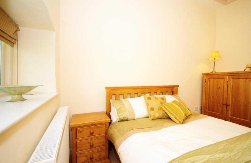 Double bedroom on ground floor in luxury cottage near Newborough sands