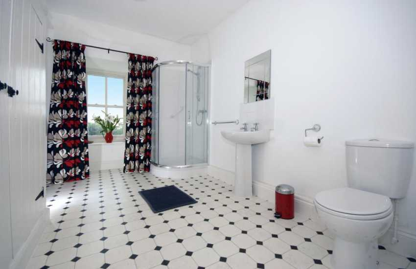 Pembrokeshire holiday home - spacious shower room