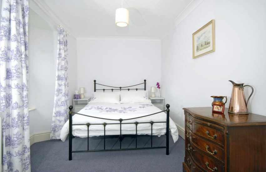 Llangwm gentleman's residence for holidays in Pembrokeshire - 4'6