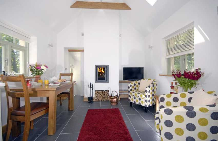 Pembrokeshire holiday cottage with wood burning stove and open plan living
