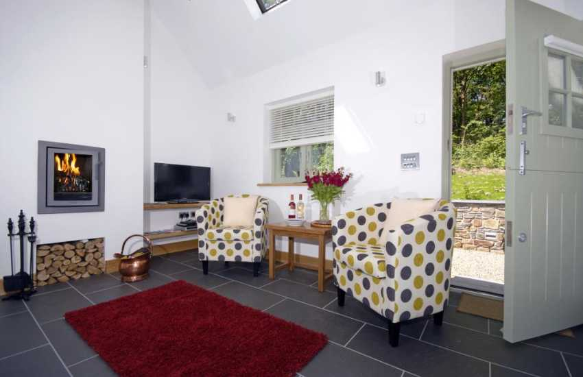 Holiday cottage near St Davids with wood burning stove and gardens