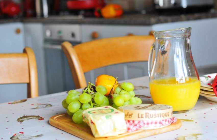 Coastal cottage Wales - kitchen