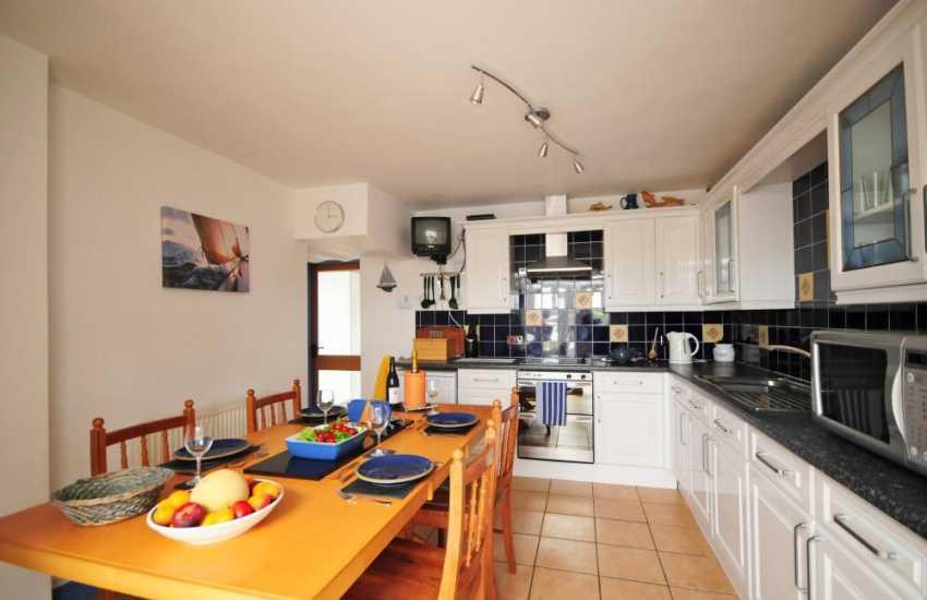 Aberdaron holiday house- kitchen