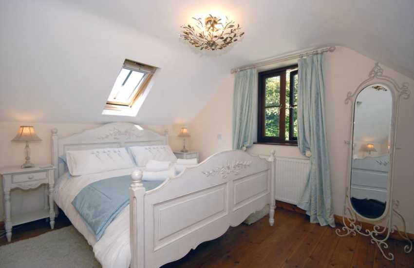 North Pembrokeshire cottage - king size master bedroom