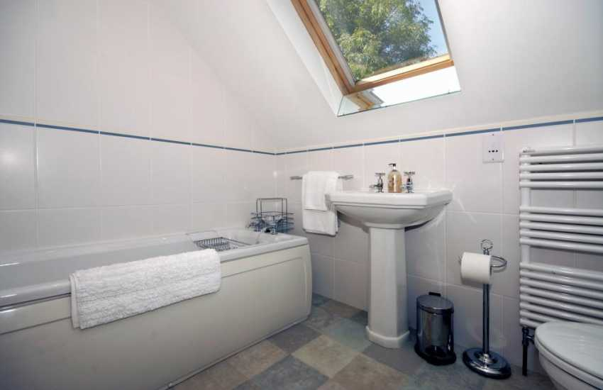 Little Haven holiday cottage - bathroom with shower cubicle