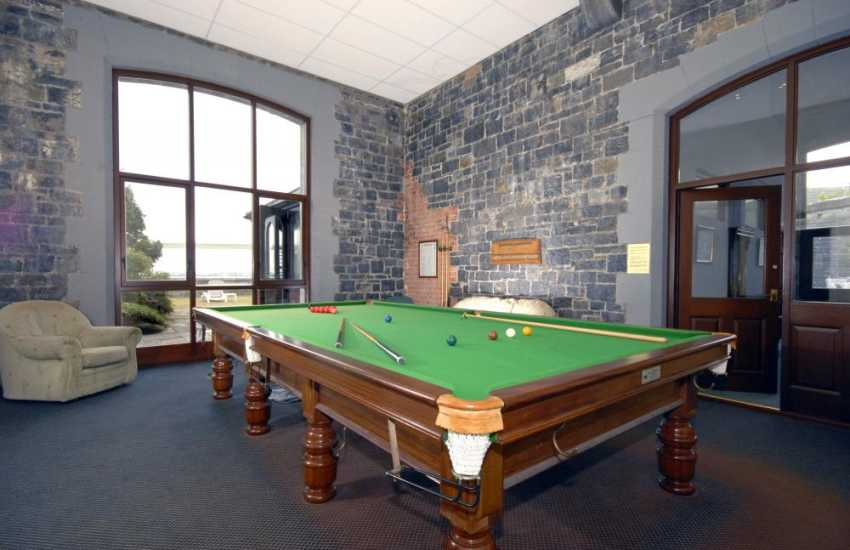 South Pembrokeshire self catering with leisure complex - snooker room