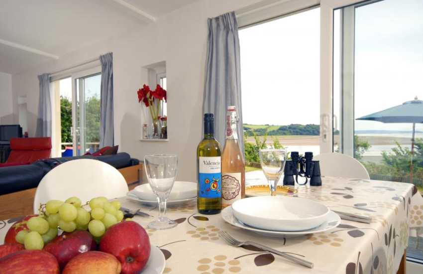 Self Catering on the Taf Estury, Laugharne - bird watchers paradise
