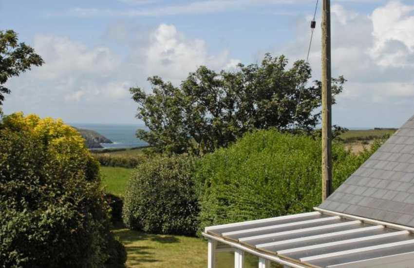 Pembrokeshire holiday cottage with coastal views