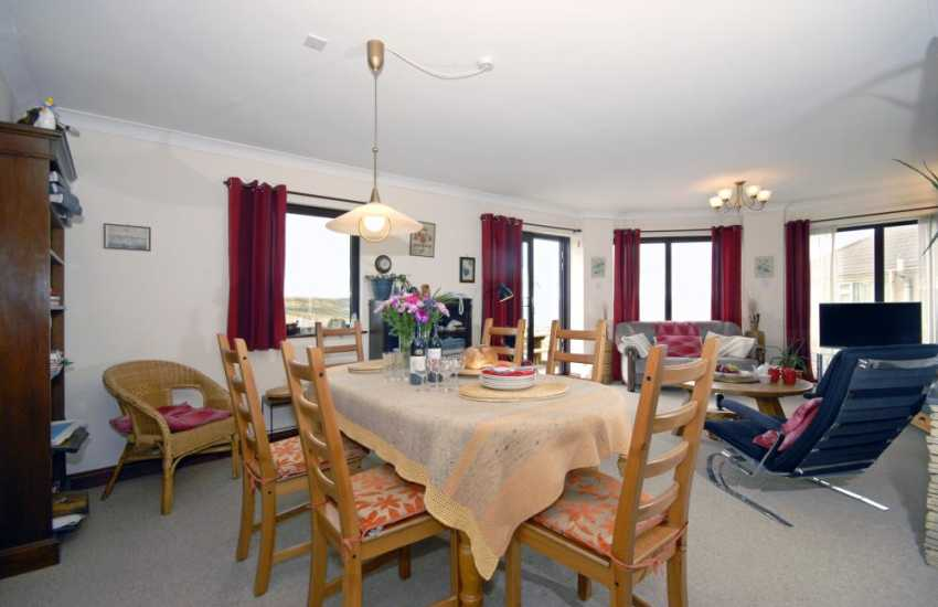 Newgale Sands holiday home with open plan dining/living room
