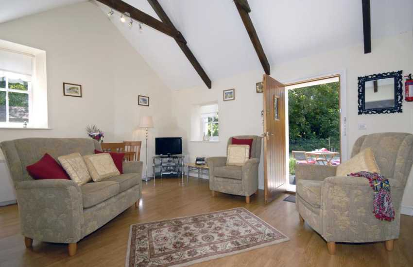 Pembrokeshire, Dale holiday cottage - lounge area