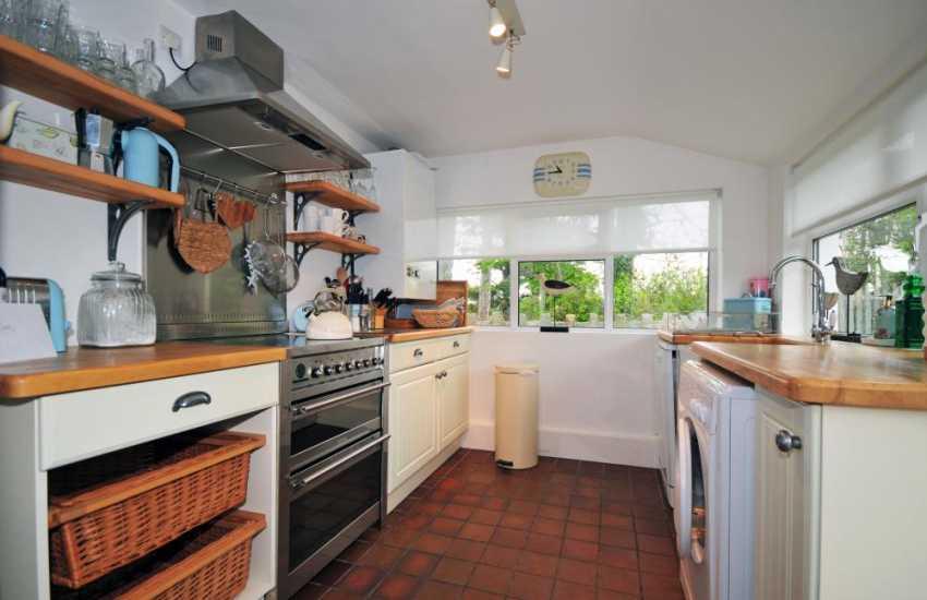 Cottage near the beach North Wales - kitchen