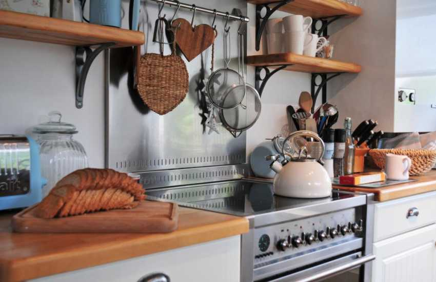 Coastal cottage North Wales - kitchen