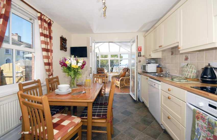 Self-catering town house Aberaeron, Cardiganshire -  kitchen/diner