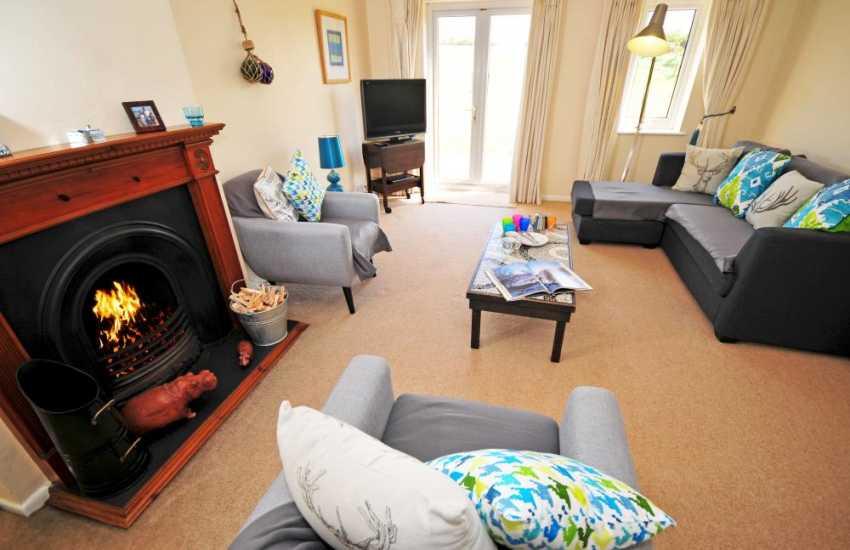 Morfa Nefyn holiday bungalow - lounge
