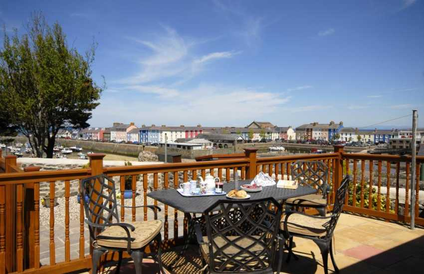 Cardiganshire, Aberaeron - holiday house with patio - no pets please