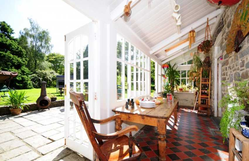 Large Holiday House Mid wales - sunroom
