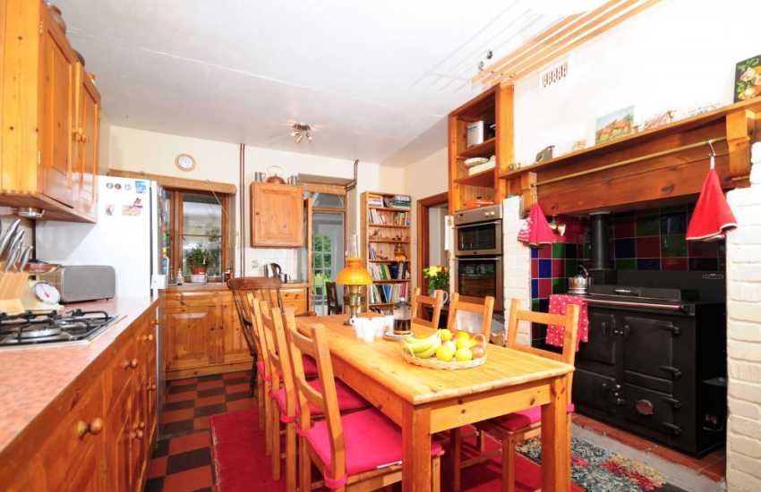 Pet friendly Holiday cottage rural Mid wales - kitchen