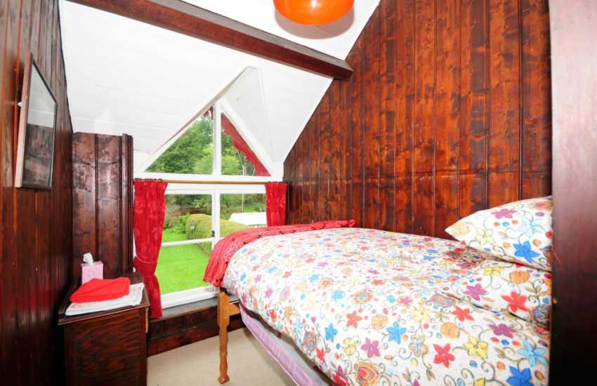 Big holiday house Wales - bedroom