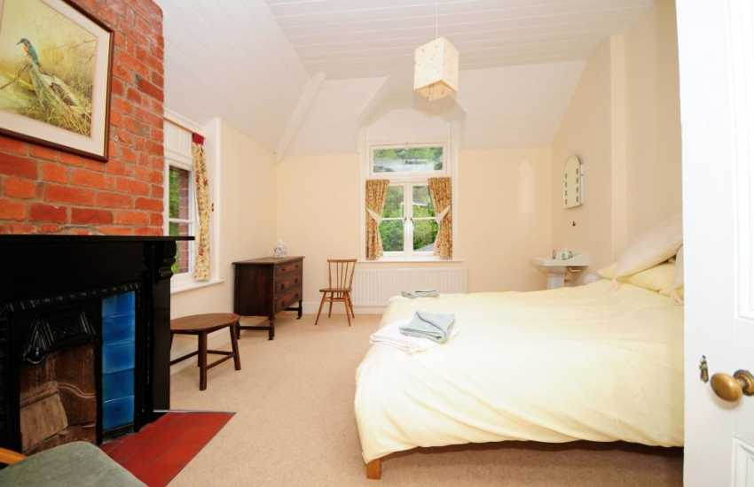 Pet friendly holiday house Powys - bedroom