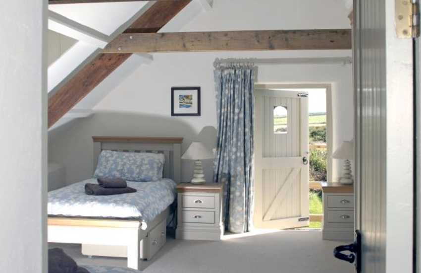 Marloes holiday cottage - rural views