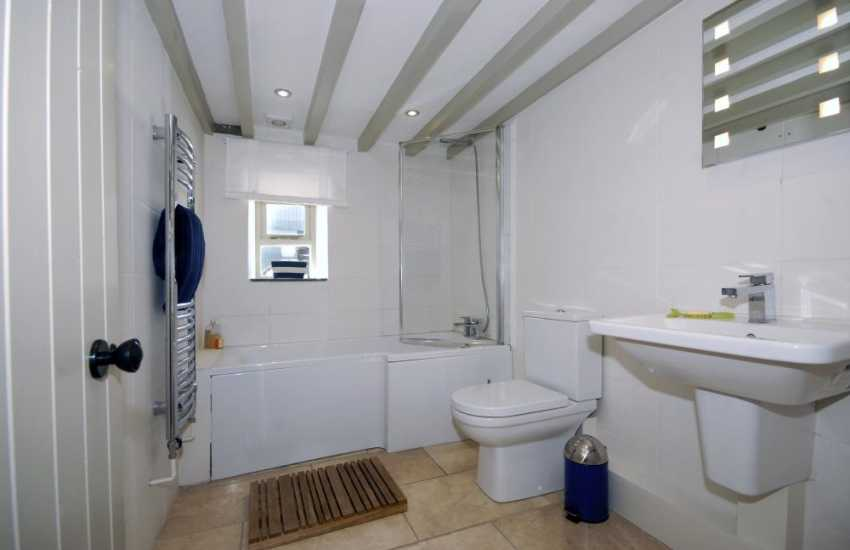 Pembrokeshire coastal holiday home - ground floor family bathroom