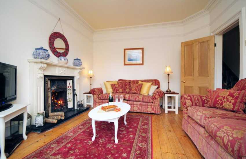 Welsh cottage by the sea - lounge